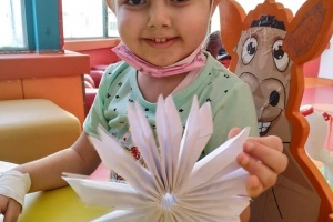 Child-Life Services Continue in our Cancer Departments