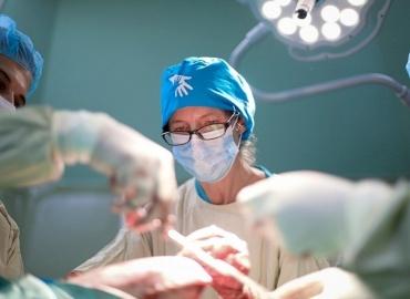 American Orthopedic Surgeon Returns to Gaza